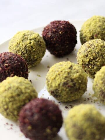 healthy snack, protein, protein balls, chocolate, wholefoods, clean eating, paleo