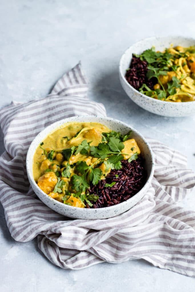 gluten free dinner, plant-based dinner, vegan dinner recipes, vegan recipes, chickpea recipe, chickpea curry recipe, chickpea curry, black rice recipe