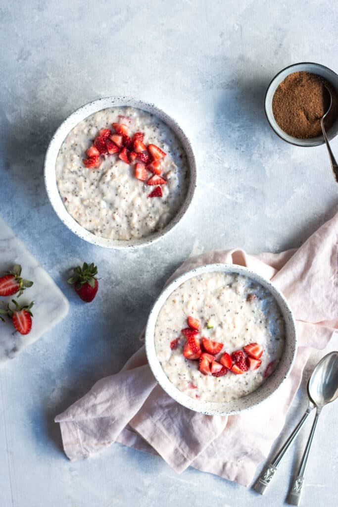 breakfast recipes, dairy free recipes, oats, porridge, winter recipes, winter breakfast ideas, strawberry, fig