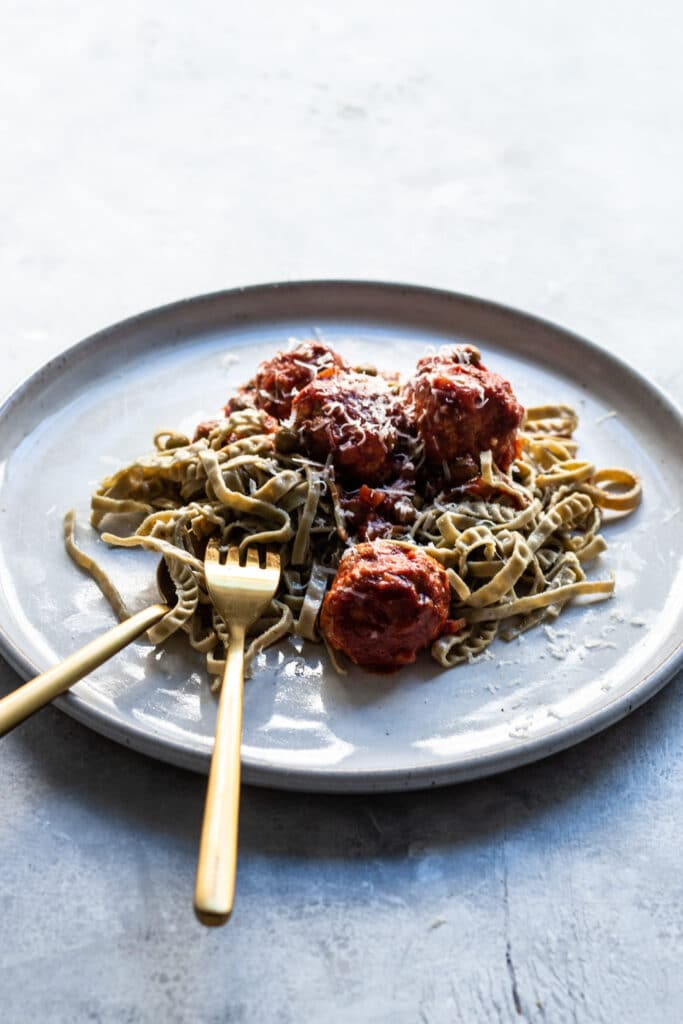 gluten free dinner, gluten free spaghetti, chicken meat balls, chicken dinner recipes, chicken recipe