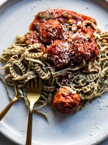 gluten free dinner, gluten free spaghetti, chicken meat balls, chicken dinner recipes, chicken recipe