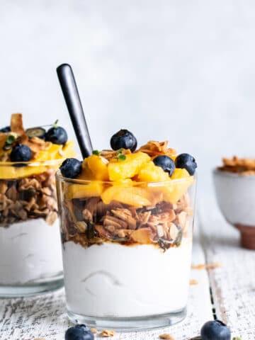 granola, spring breakfast recipes, healthy breakfast recipes, refined sugar free, sugar free recipes, sugar free, dairy free recipes, dairy free breakfast recipes
