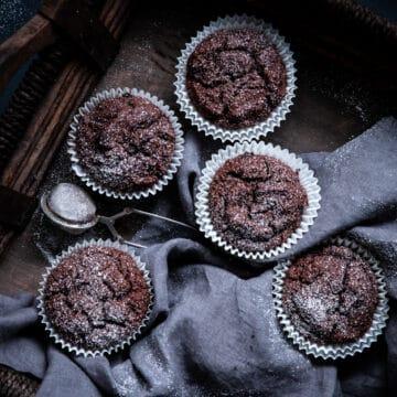 paleo cupcakes, paleo chocolate cake, grain free cupcakes, grain free chocolate cake, sugar free cupcakes, gluten free chocolate cupcakes, gluten free cupcakes, gluten free