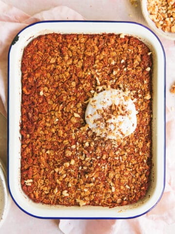 carrot cake baked oats with coconut yoghurt
