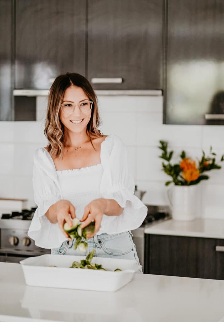 bachelor qualified nutritionist Sarah Bell, creating healthy recipes in her kitchen