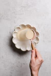 sprinkle gelatine into bowl