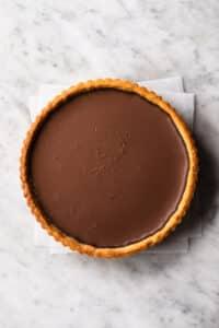 completed vegan chocolate tart